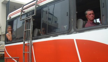 Amanda (back) and Kim (from Vamp, front) on an Ecuadorian bus