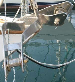 Bent bow-rollers from a caught anchor