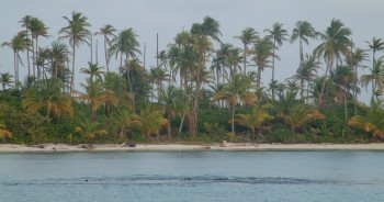 Peaceful anchorage in Hollandes Cays, San Blas