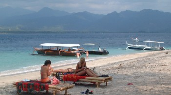 Typical Gili Air beach, with Lombok in the distance
