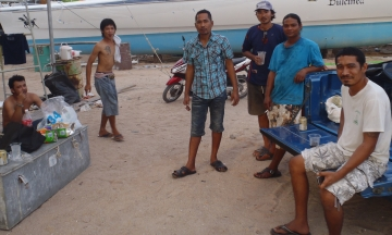 Our crew: Boy, Beng, Jayap, Jeng, Houa, & Golf