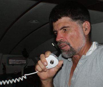 Jon chats to Vamp on VHF, off the Indian coast