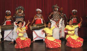 Kandian dancers and drummers after the show
