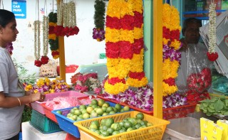 Fruit and flower stall in Little India