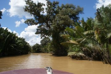 We took a water taxi ride up the Sungai Brunei