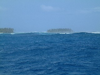 Caribbean waves breaking on the reefs of the San Blas Islands, Panama