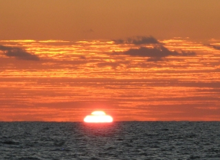 Just seconds before a green flash sunset!