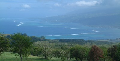 The agricultural area of Tahiti-Iti, with reef and lagoon on the western side