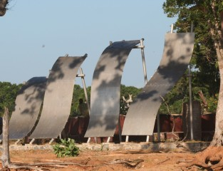 Stark monument to tsunami victims, Yala NP